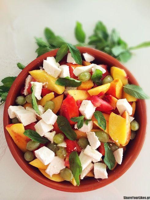salata me nektarinia ntomata an8otyro